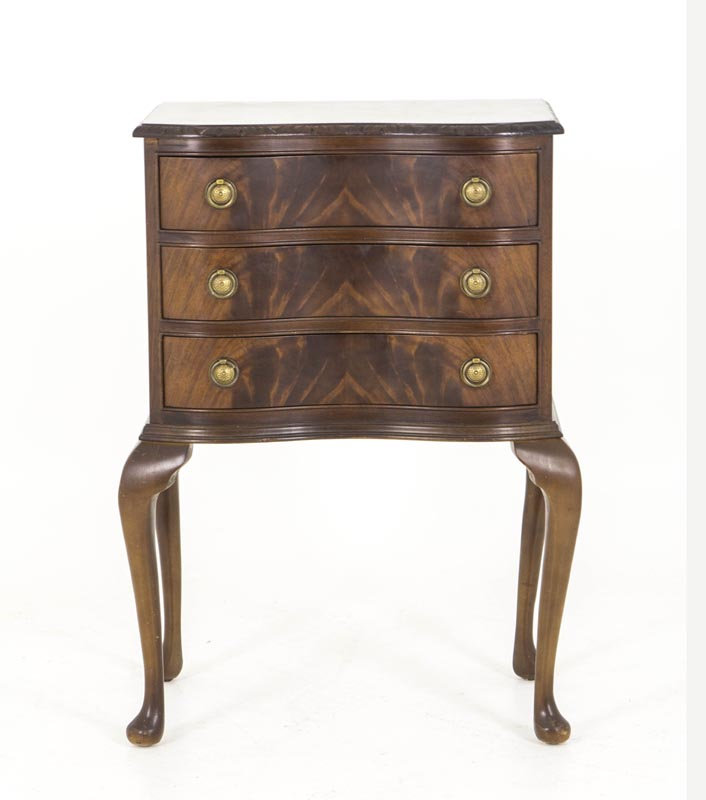 B534 Antique Mahogany Serpentine Night Stand, Bedside Table, Chest Of  Drawers, End Table   Heatherbrae Antiques