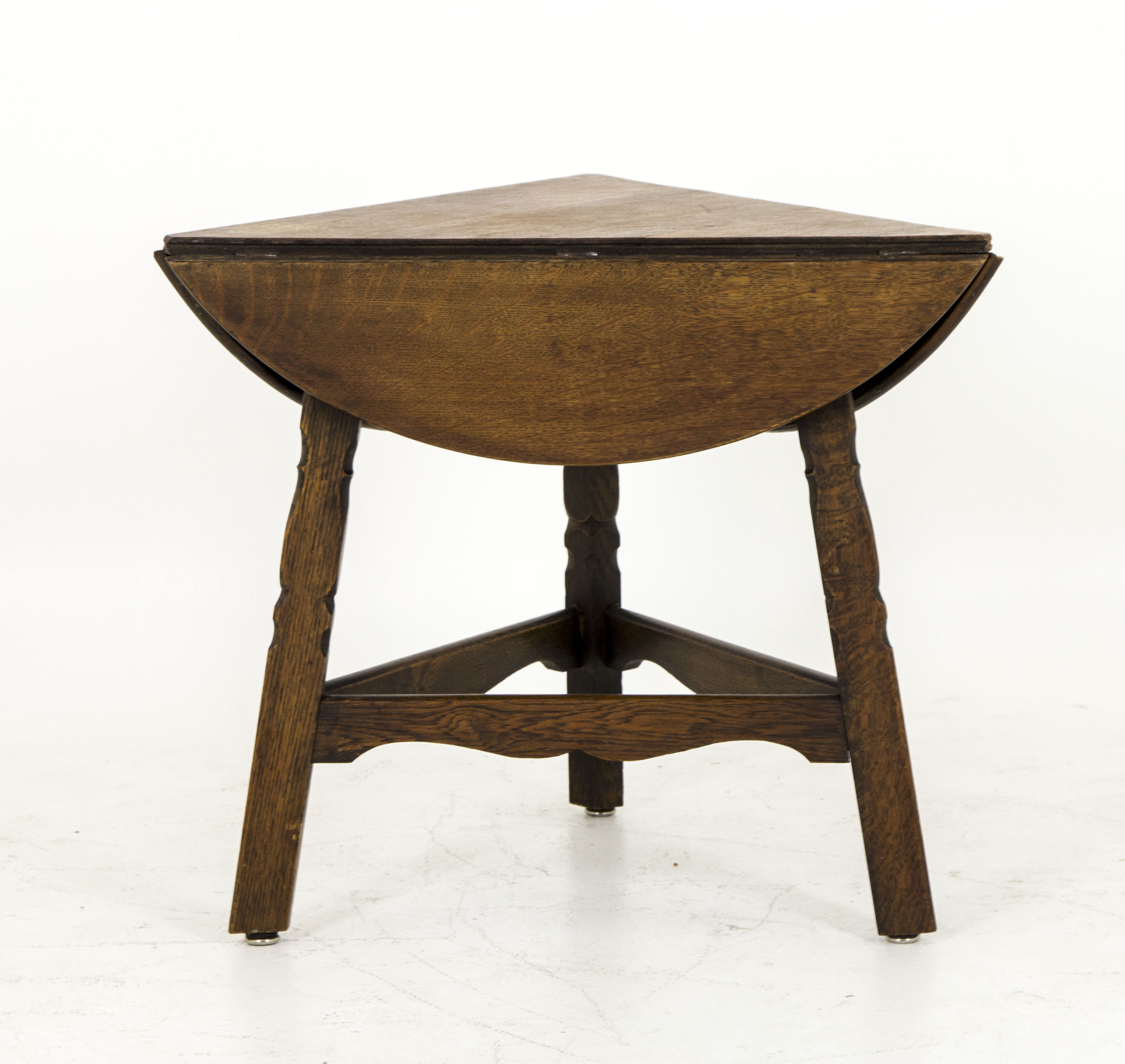 B453 Antique Scottish Triangle Oak Drop Leaf Table