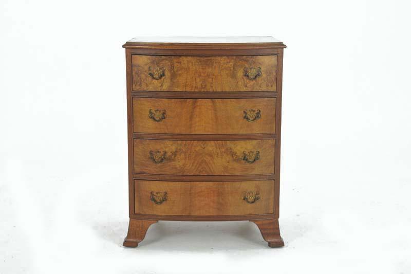 Pee Antique Dresser