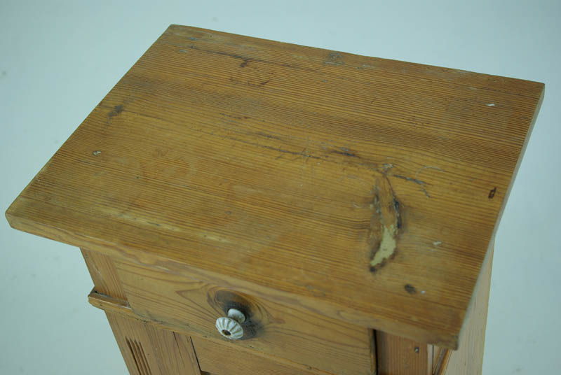 B603 Antique Danish Pine Nightstand Bedside End Table Lamp Table Heatherbrae Antiques