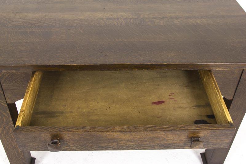B369 Gorgeous Solid Tiger Oak Desk America 1920s